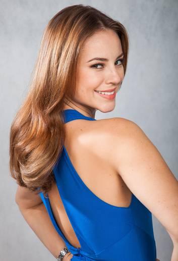 Paola Oliveira revela dicas de tratamentos indicados por seu cabeleireiro Anderson Couto