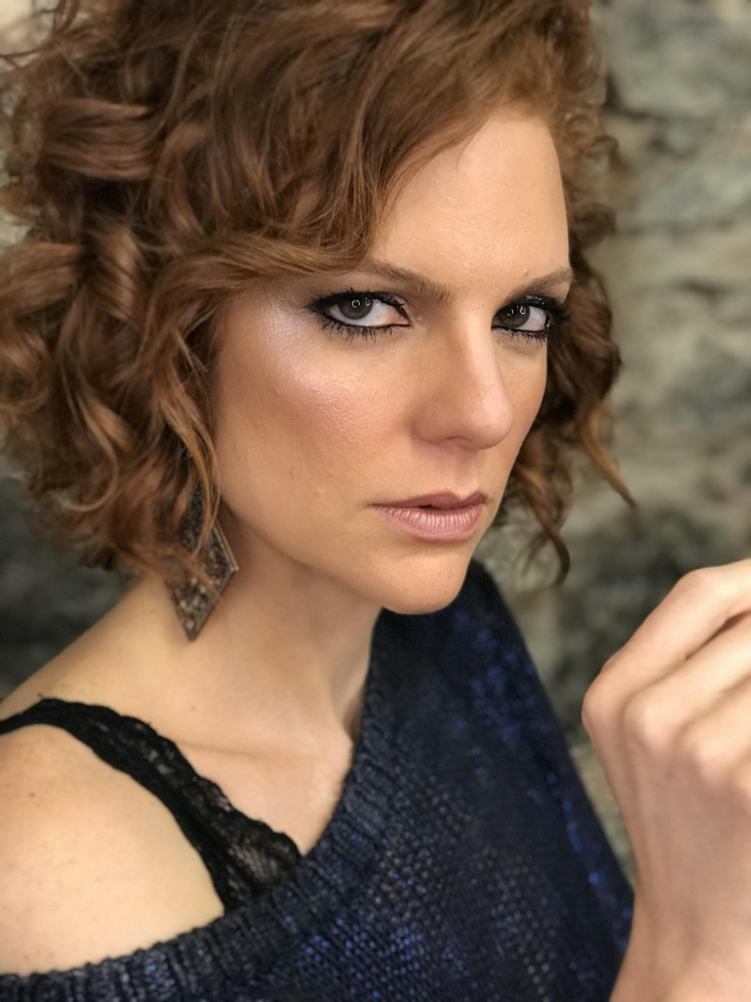 Maria Eduarda de Carvalho linda, divertida e plena